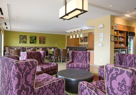 TownePlace Suites Jackson Ridgeland/The Township at Colony Park - Lobby   Sitting Area