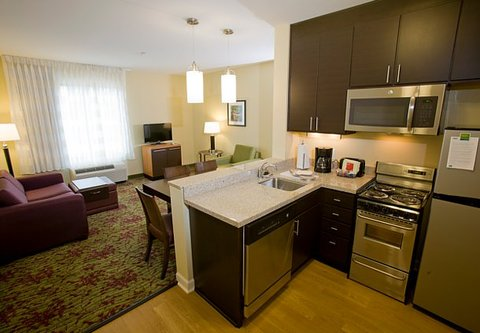 TownePlace Suites Jackson Ridgeland/The Township at Colony Park - Two-Bedroom Suite Kitchen