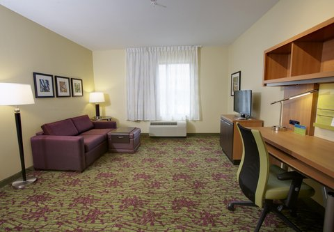 TownePlace Suites Jackson Ridgeland/The Township at Colony Park - One-Bedroom Suite   Living Area