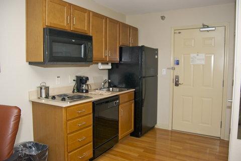 Candlewood Suites ELKHART - One Queen Studio Kitchen