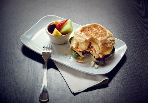 Courtyard St. Petersburg Clearwater/Madeira Beach - Healthy Start Breakfast Sandwich