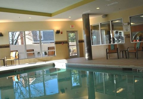 Courtyard Evansville East - Indoor Pool