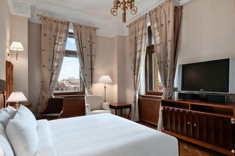 Hilton Moscow Leningradskaya 套间