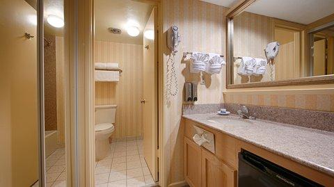 BEST WESTERN PLUS Hill House - Bathroom