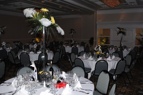 DoubleTree by Hilton Fayetteville - Center Pieces