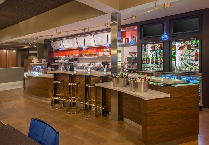 Courtyard by Marriott Addison Midway Bar/lounge