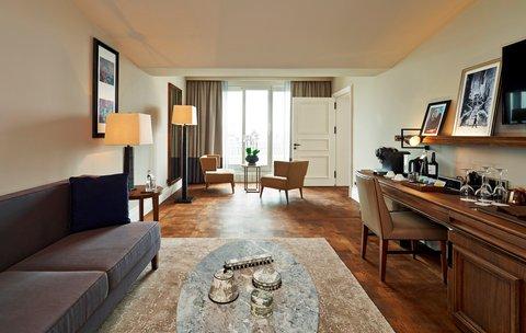Vault Karakoy The House Hotel - Penthouse Suite - Living Room