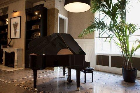 Vault Karakoy The House Hotel - Lobby - Piano