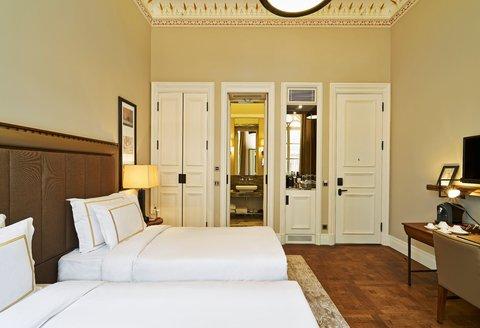 Vault Karakoy The House Hotel - Deluxe Twin King Room