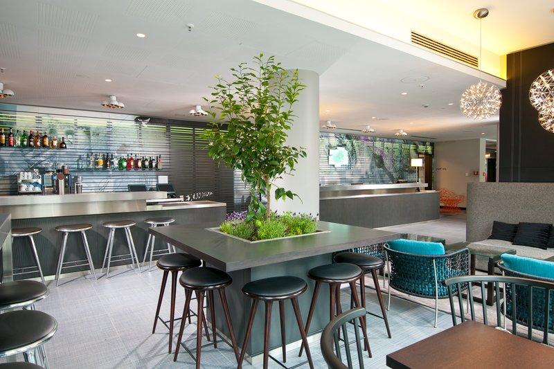 Hotel Holiday Inn Berlin - Centre Alexanderplatz Bar e sala de estar
