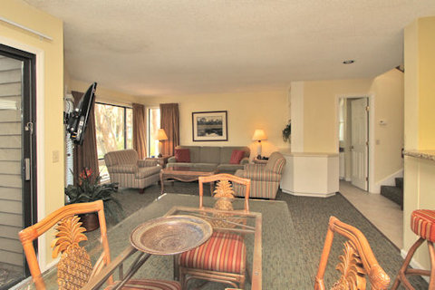 Spinnaker at Shipyard by Hilton Head Accommodations - Dining Living Room