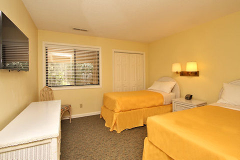 Spinnaker at Shipyard by Hilton Head Accommodations - Bedroom