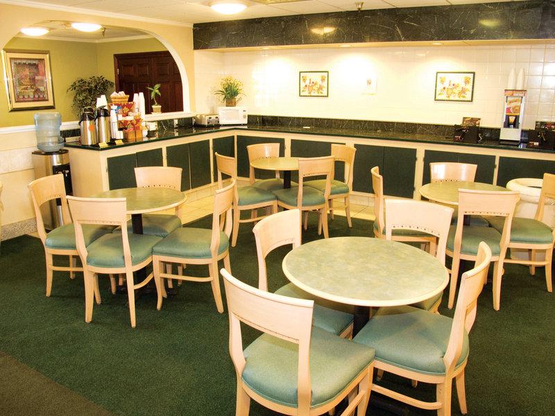La Quinta Inn Lynnwood Ресторанно-буфетное обслуживание