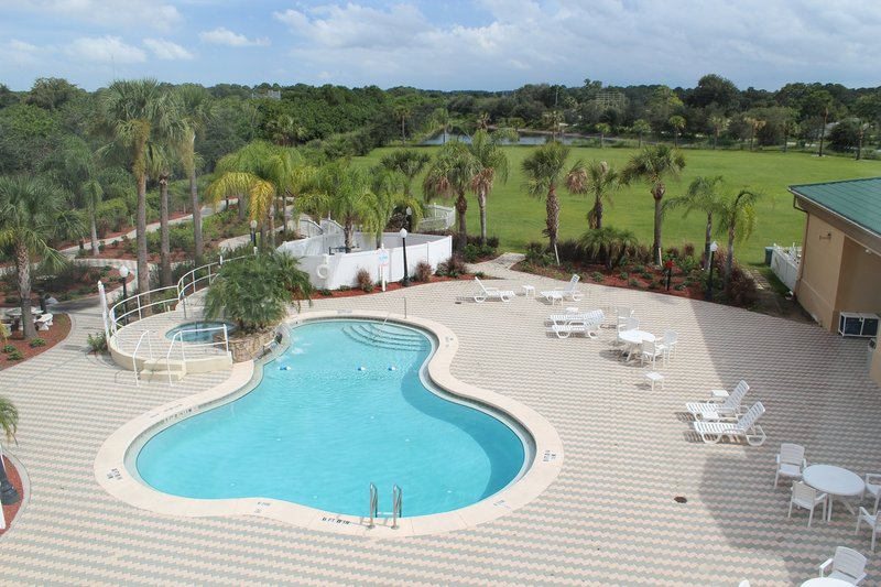 Holiday Inn Express & Suites COCOA - Cocoa, FL