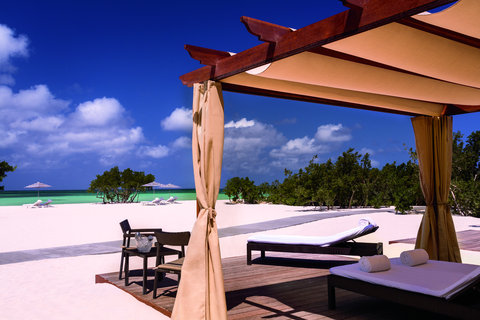 The Ritz-Carlton, Aruba - Beach cabana