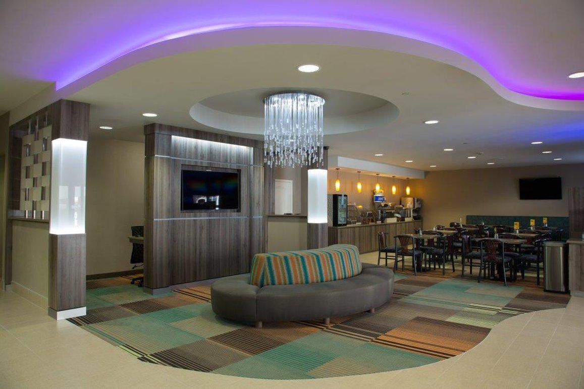Holiday Inn Express Hotel & Suites DFW-Grapevine