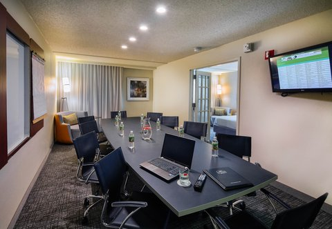 Courtyard Dallas DFW Airport North/Irving - Stylish-Executive Suite