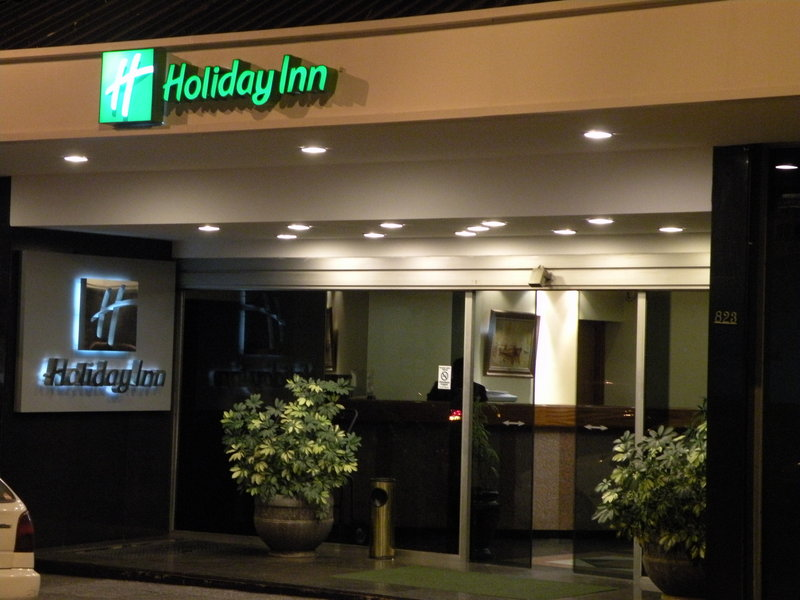 Holiday Inn Montevideo Вид снаружи