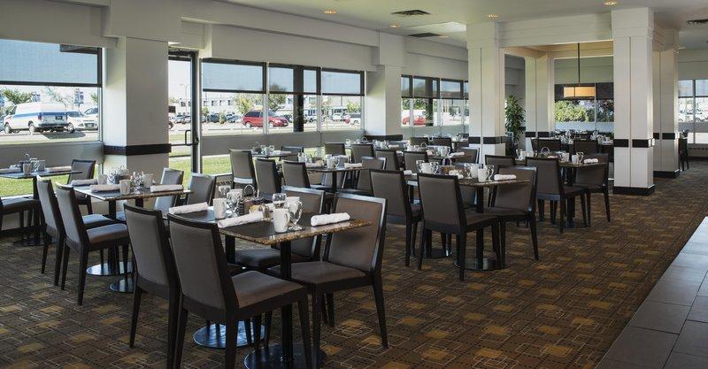 Hilton Suites Winnipeg Airport Ресторанно-буфетное обслуживание