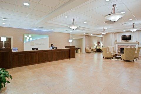 Holiday Inn CHARLOTTESVILLE-UNIV AREA - Guest Bathroom
