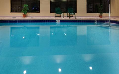 Staybridge Suites DAVENPORT - Swimming Pool