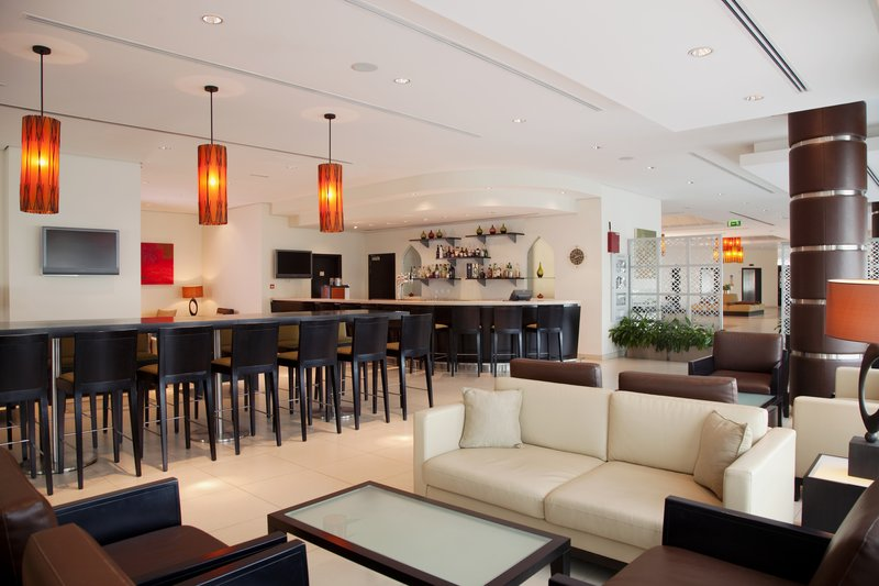 Holiday Inn Express Dubai-Internet City Bar/lounge