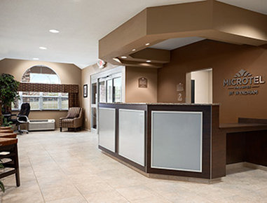 Microtel Inn & Suites by Wyndham Fairmont - Front Desk
