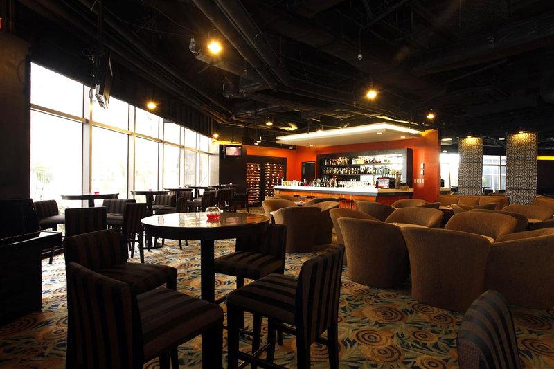 Crowne Plaza Manila Galleria Bar/lounge