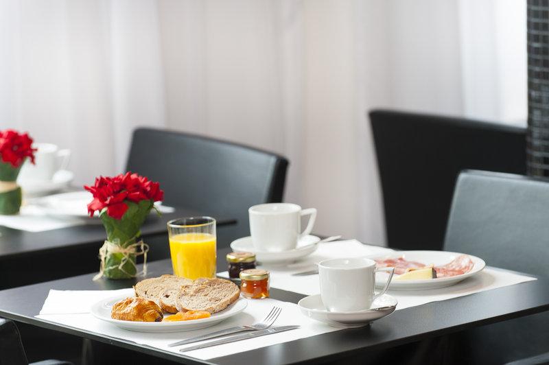 Holiday Inn Paris Montparnasse-Av.Du Maine Bar/Lounge
