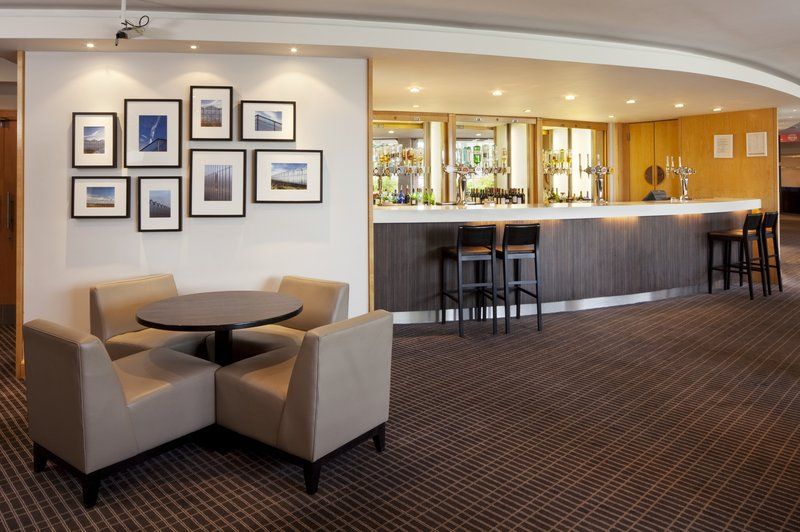 Holiday Inn Reading South M4 Jct 11 Bar/Lounge