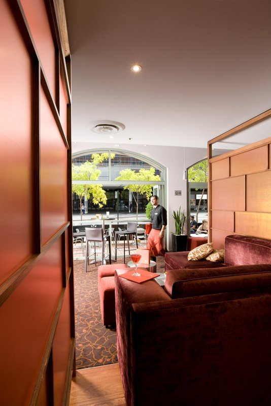 Holiday Inn Darling Harbour Бар/гостиная