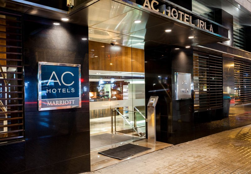 AC Hotel Irla by Marriott 外観