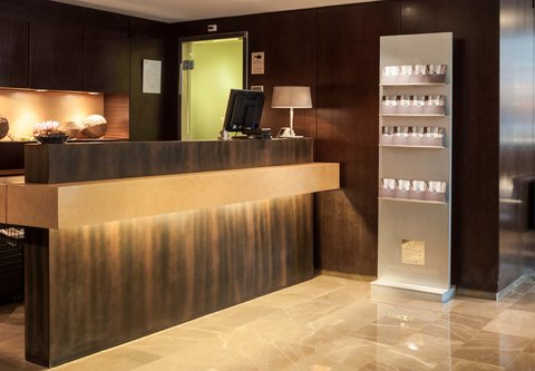 Ac Irla By Marriott - Front Desk