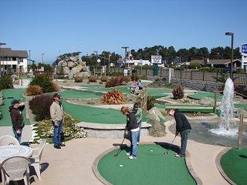 翡翠海豚酒店及迷你高爾夫 - Golfing