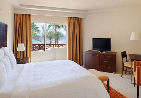 شرم الشيخ ماريوت ريزورت - Executive Suite Beach Room   Beach Side