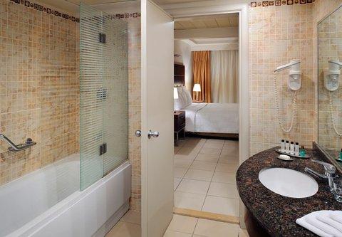 شرم الشيخ ماريوت ريزورت - Suite Bathroom   Beach Side