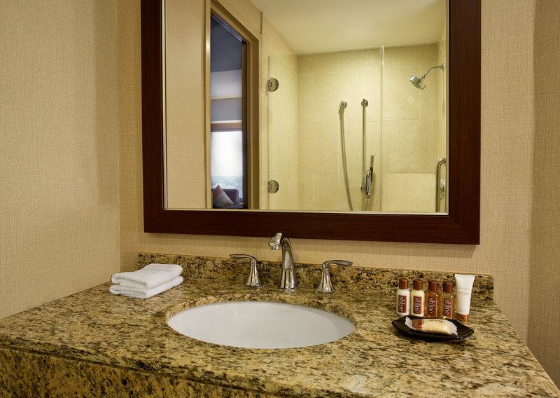 Sheraton Indianapolis Hotel at Keystone Crossing Вид в номере
