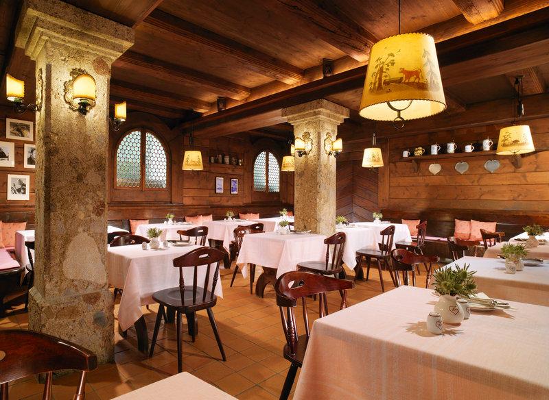 Hotel Goldener Hirsch, a Luxury Collection Hotel Gastronomi