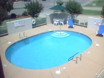 GuestHouse Inn Fort Smith - Pool