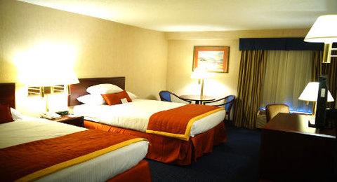 Wyndham Garden Monterrey Norte - Double Bedroom