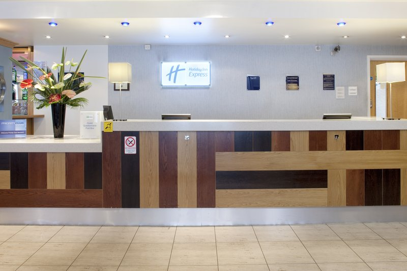 Holiday Inn Express London-Park Royal Előcsarnok