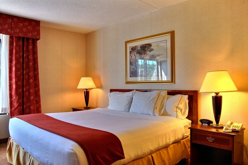 Holiday Inn Express Hotel & Suites Providence-Woonsocket Vista do quarto