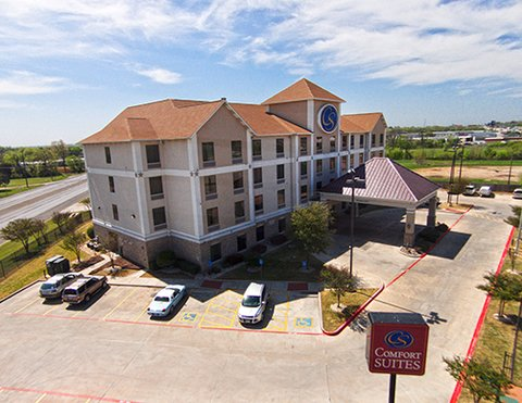 Comfort Suites Waco - Arial View North Side