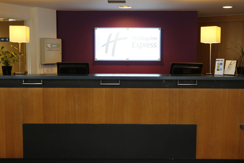 Holiday Inn Express Bristol City Centre Lobby