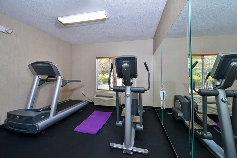 Holiday Inn Express Hotel & Suites Houston-Kingwood Centro de salud y belleza