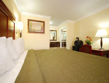 Quality Inn & Suites Near Knott