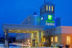 Hotels Near Kirby With Airport Shuttle Service