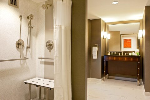 Hilton Nashville Downtown - Accessible Roll-In Shower