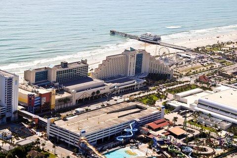 Hilton Daytona BeachResort-Ocean Walk Village - West Side With Pier