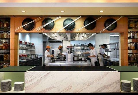 كورتيارد باي ماريوت بانكوك - Momo Cafe